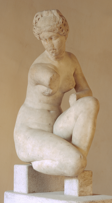 Statue of Aphrodite crouching