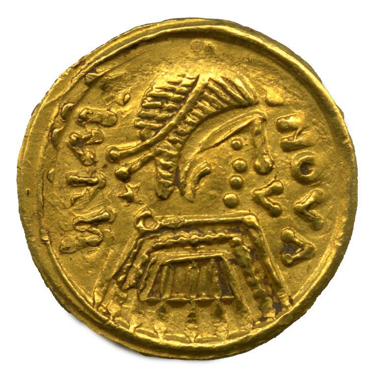 Regno Longobardo. Tremisse in oro con ritratto di sovrano (dritto), VII sec. d.C.