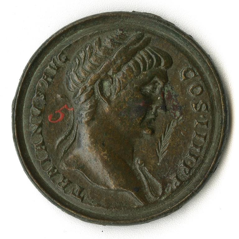 Roma. Contorniato in bronzo con ritratto dell'imperatore Traiano (dritto), tardo IV-V sec. d.C.